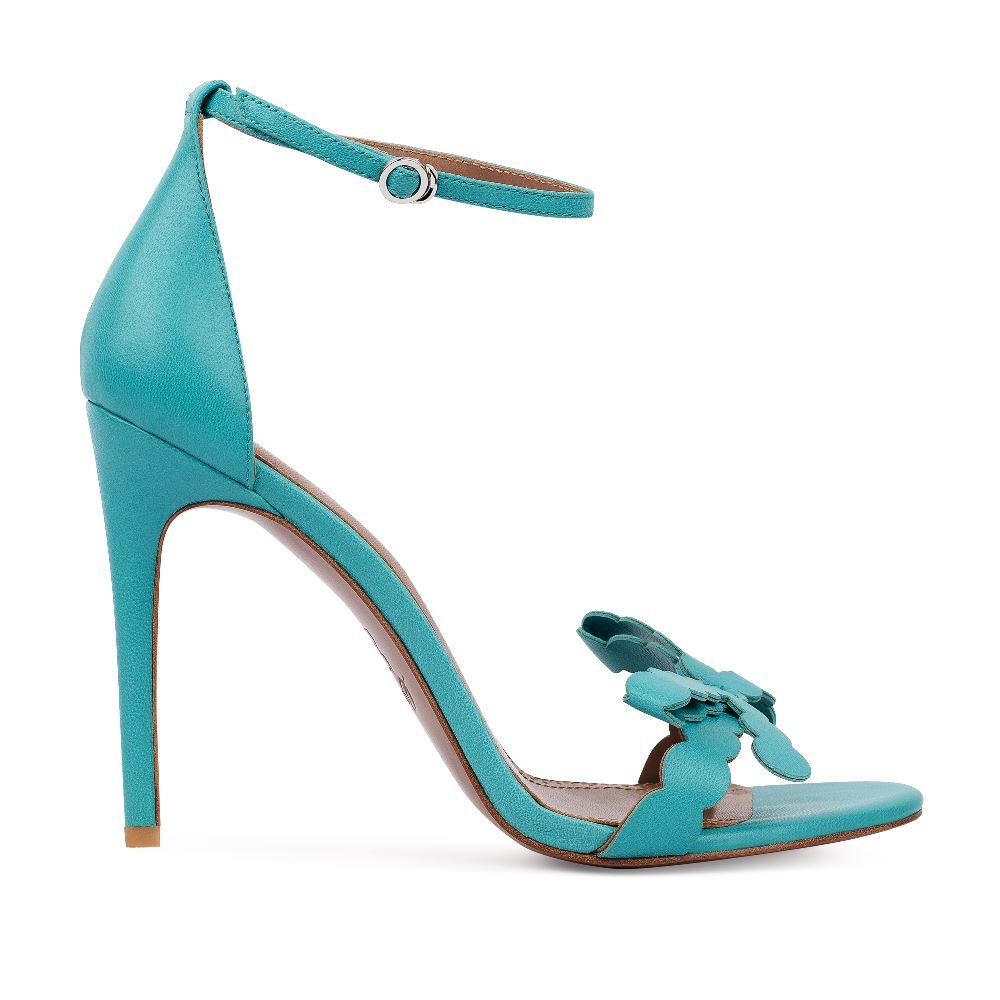 Босоножки кожаные голубого цвета с ремешкомТуфли ремешковые<br><br>Материал верха: Кожа<br>Материал подкладки: Кожа<br>Материал подошвы: Кожа<br>Цвет: Голубой<br>Высота каблука: 10 см<br>Дизайн: Италия<br>Страна производства: Китай<br><br>Высота каблука: 10 см<br>Материал верха: Кожа<br>Материал подкладки: Кожа<br>Цвет: Голубой<br>Пол: Женский<br>Вес кг: 360.00000000<br>Размер: 38.5