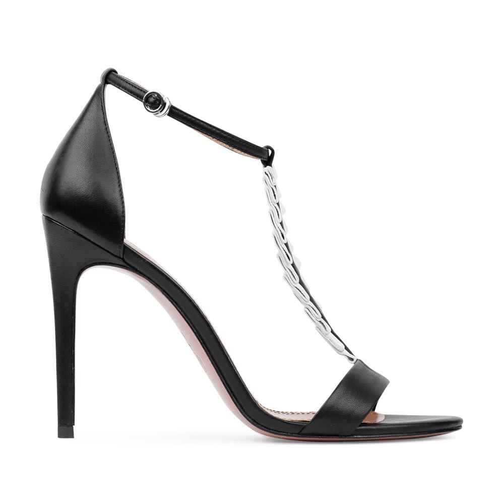 Босоножки из кожи черного цвета с декоративными оборкамиТуфли женские<br><br>Материал верха: Кожа<br>Материал подкладки: Кожа<br>Материал подошвы:Кожа<br>Цвет: Черный<br>Высота каблука: 10 см<br>Дизайн: Италия<br>Страна производства: Китай<br><br>Высота каблука: 10 см<br>Материал верха: Кожа<br>Материал подошвы: Кожа<br>Материал подкладки: Кожа<br>Цвет: Черный<br>Вес кг: 1.00000000<br>Размер: 36