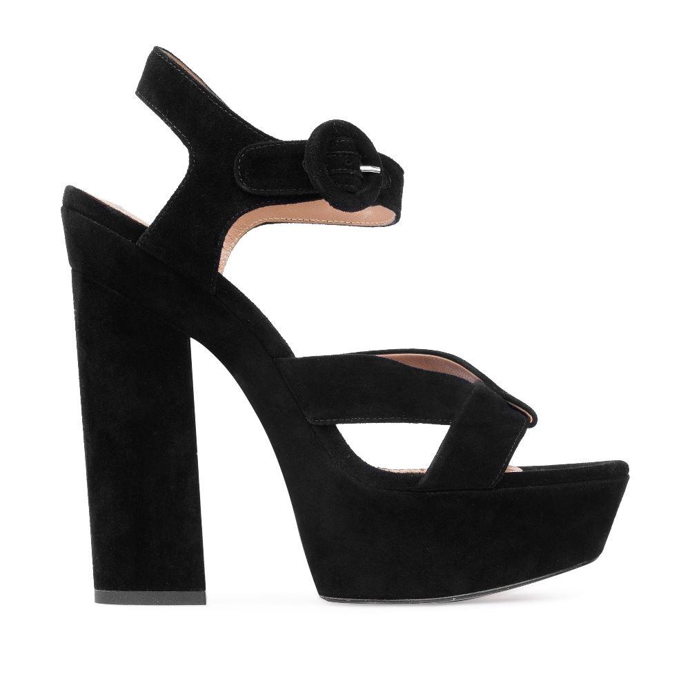 Босоножки из замши черного цвета на широком каблуке
