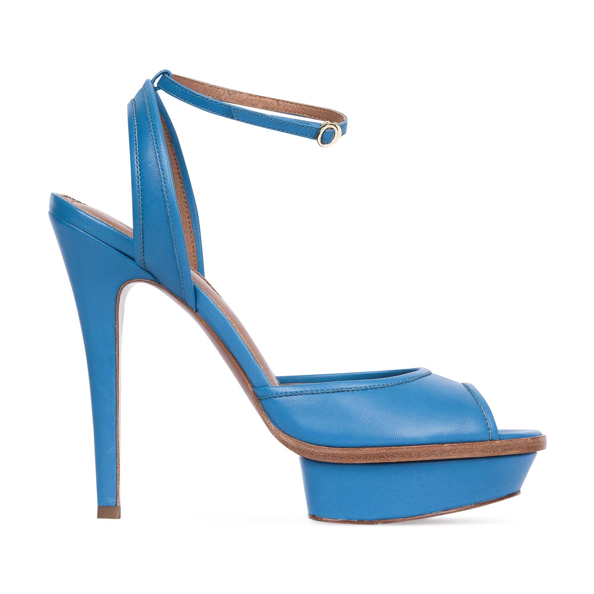Босоножки из кожи лазурного цвета на высоком каблукеБосоножки женские<br><br>Материал верха: Кожа<br>Материал подкладки: Кожа<br>Материал подошвы: Кожа<br>Цвет: Голубой<br>Высота каблука: 13 см<br>Дизайн: Италия<br>Страна производства: Китай<br><br>Высота каблука: 13 см<br>Материал верха: Кожа<br>Материал подкладки: Кожа<br>Цвет: Голубой<br>Вес кг: 0.52600000<br>Размер: 36