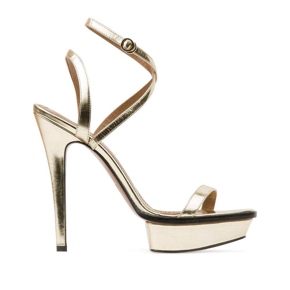 Босоножки из зеркальной кожи золотого цвета на высоком каблукеБосоножки женские<br><br>Материал верха: Кожа<br>Материал подкладки: Кожа<br>Материал подошвы: Кожа<br>Цвет: Золотой<br>Высота каблука: 13 см<br>Дизайн: Италия<br>Страна производства: Китай<br><br>Высота каблука: 13 см<br>Материал верха: Кожа<br>Материал подкладки: Кожа<br>Цвет: Золотой<br>Вес кг: 0.52600000<br>Размер: 39