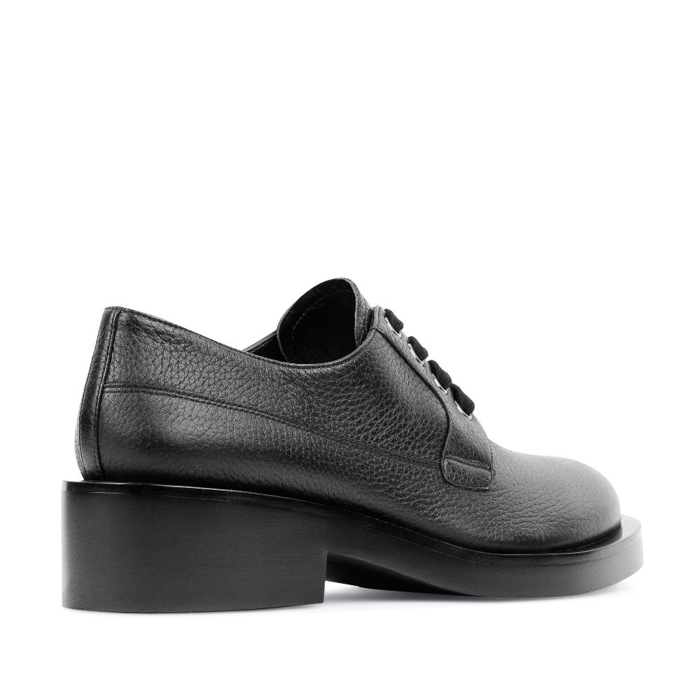 Женские ботинки CorsoComo (Корсо Комо) Кожаные ботинки на шнуровке черного цвета