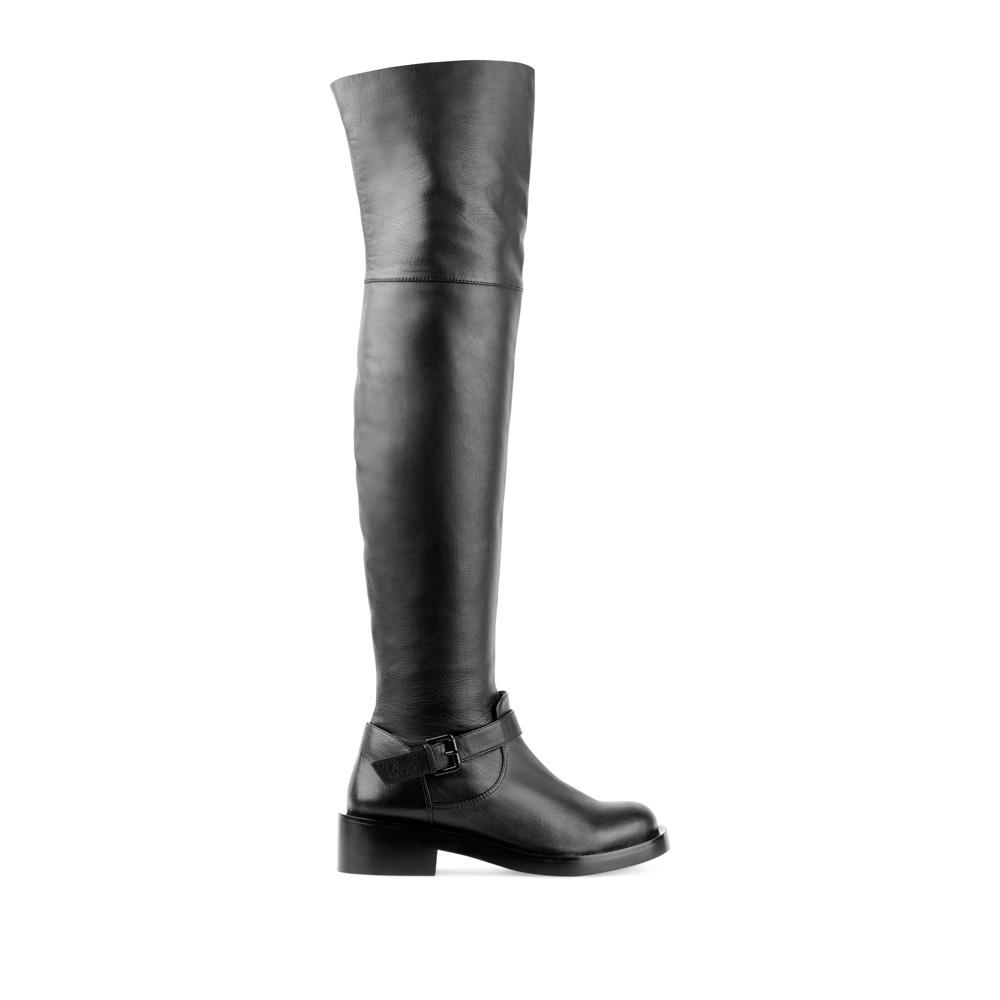 Ботфорты из кожи черного цвета с пряжкойСапоги женские<br><br>Материал верха: Кожа<br>Материал подкладки: Мех<br>Материал подошвы: Кожа<br>Цвет: Черный<br>Высота каблука: 4 см<br>Дизайн: Италия<br>Страна производства: Китай<br><br>Высота каблука: 4 см<br>Материал верха: Кожа<br>Материал подошвы: Кожа<br>Материал подкладки: Мех<br>Цвет: Черный<br>Вес кг: 1.00000000<br>Размер обуви: 37