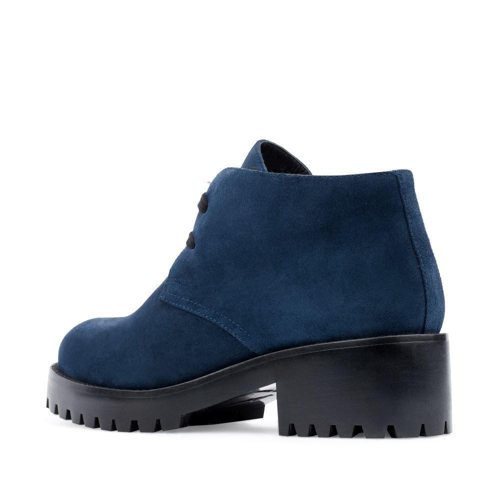 Женские ботинки CorsoComo (Корсо Комо) Ботинки из замши сапфирового цвета на тракторной подошве