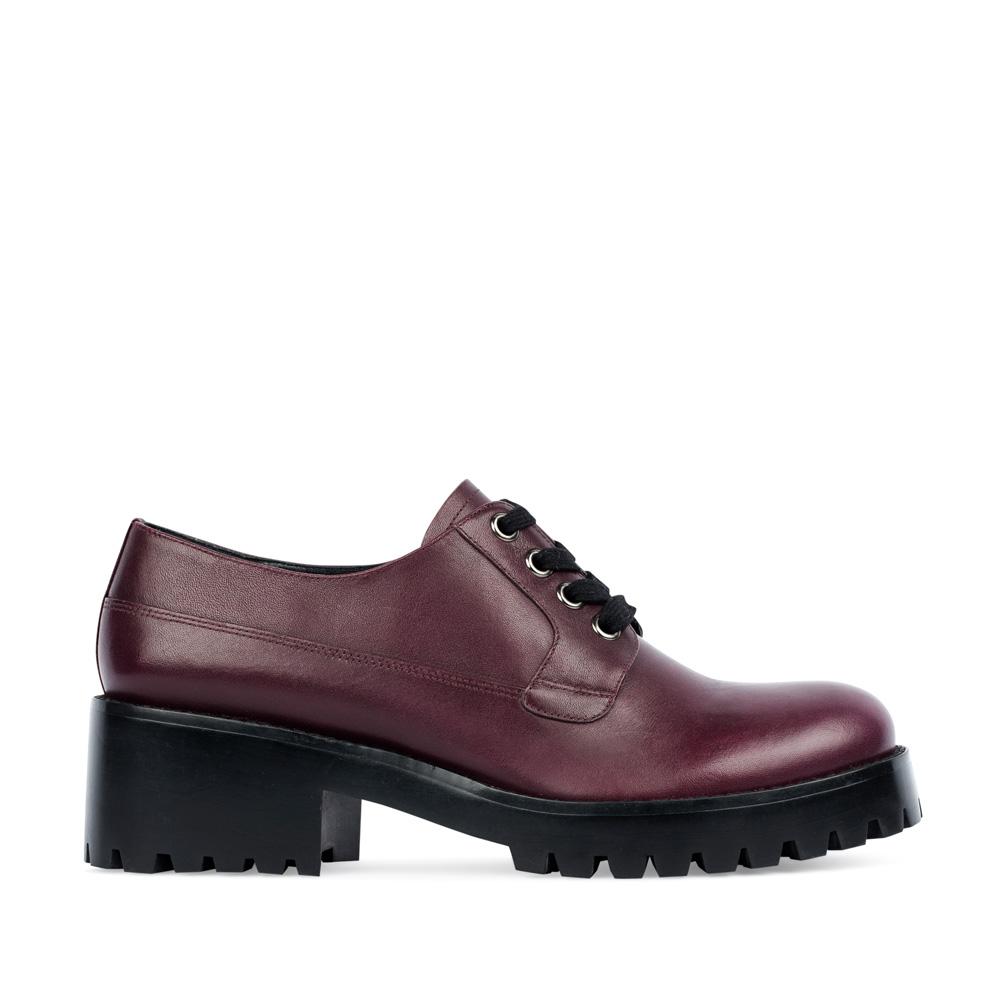 Ботинки из кожи бордового цвета на тракторной подошве