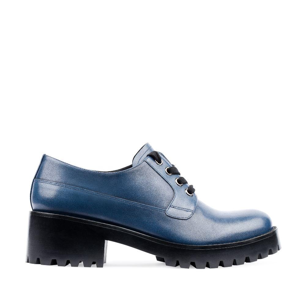 Дерби из кожи кобальтового цвета на протекторной подошвеПолуботинки женские<br><br>Материал верха: Кожа<br>Материал подкладки: Кожа<br>Материал подошвы: Кожа<br>Цвет: Синий<br>Высота каблука: 5 см<br>Дизайн: Италия<br>Страна производства: Китай<br><br>Высота каблука: 5 см<br>Материал верха: Кожа<br>Материал подошвы: Кожа<br>Материал подкладки: Кожа<br>Цвет: Синий<br>Вес кг: 1.15000000<br>Размер: 36.5*