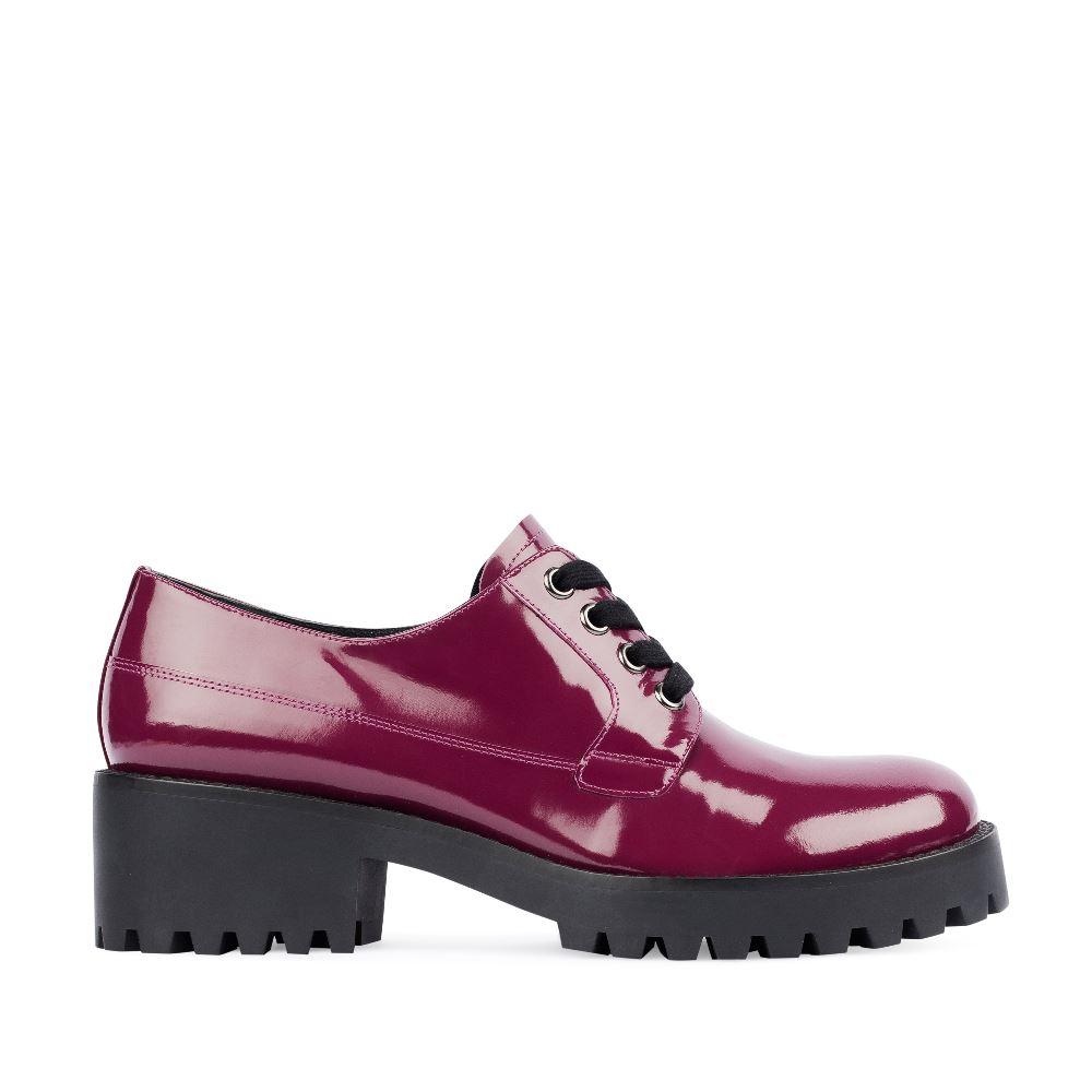 Ботинки из лакированной кожи цвета амарант