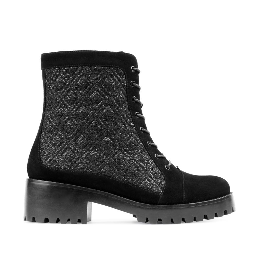Ботинки из замши черного цвета на шнуровке с вставками из букле 17-453-02-47-21