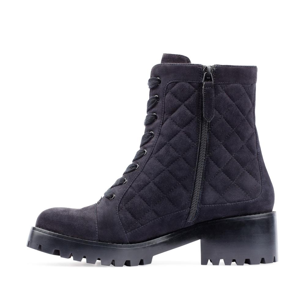 Женские ботинки CorsoComo (Корсо Комо) Высокие ботинки из стеганой замши черничного цвета