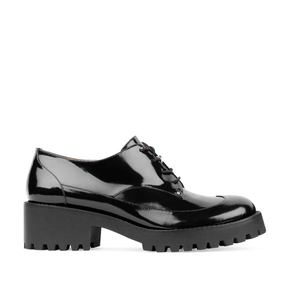 Ботинки из лакированной кожи на протекторной подошве
