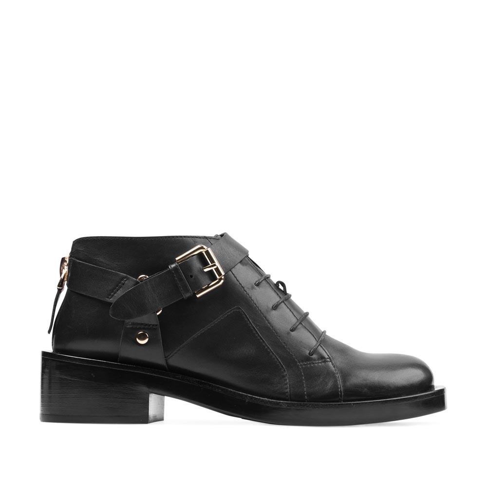 Кожаные ботинки черного цвета на массивном каблуке