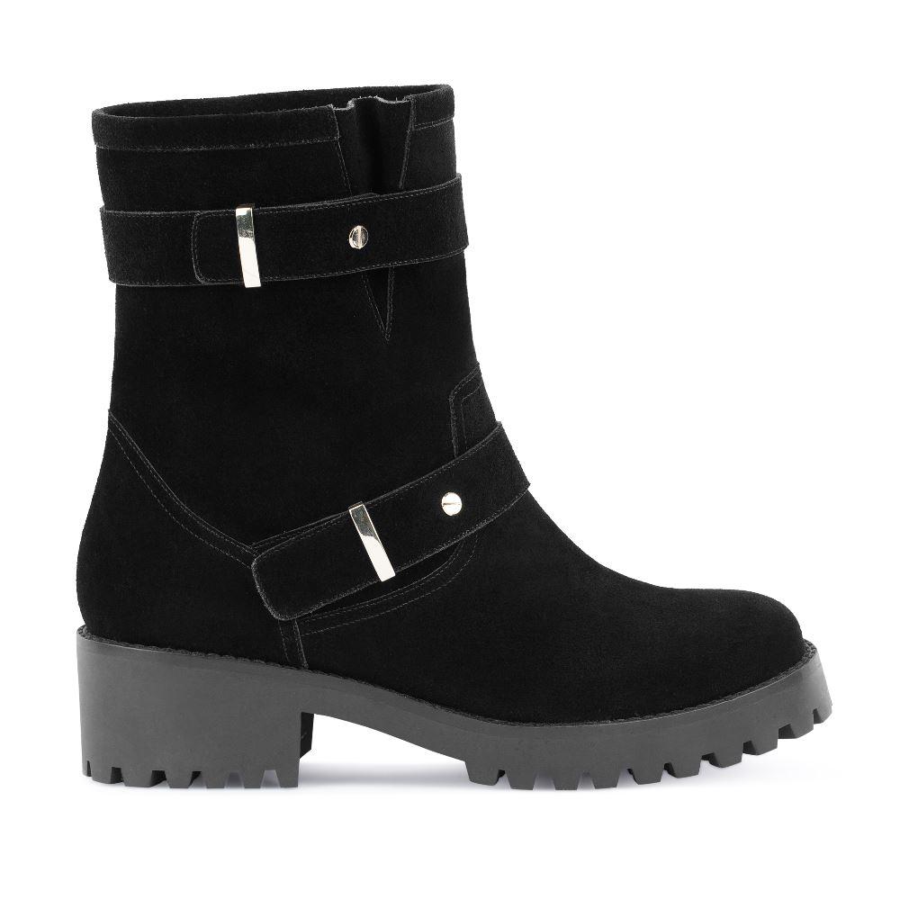 Купить со скидкой Высокие ботинки из замши черного цвета с мехом