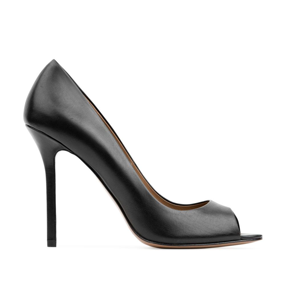 Туфли из кожи черного цвета с открытым мыскомТуфли женские<br><br>Материал верха: Кожа<br>Материал подкладки: Кожа<br>Материал подошвы: Кожа<br>Цвет: Черный<br>Высота каблука: 10 см<br>Дизайн: Италия<br>Страна производства: Китай<br><br>Высота каблука: 10 см<br>Материал верха: Кожа<br>Материал подошвы: Кожа<br>Материал подкладки: Кожа<br>Цвет: Черный<br>Пол: Женский<br>Вес кг: 0.38000000<br>Размер: 37.5