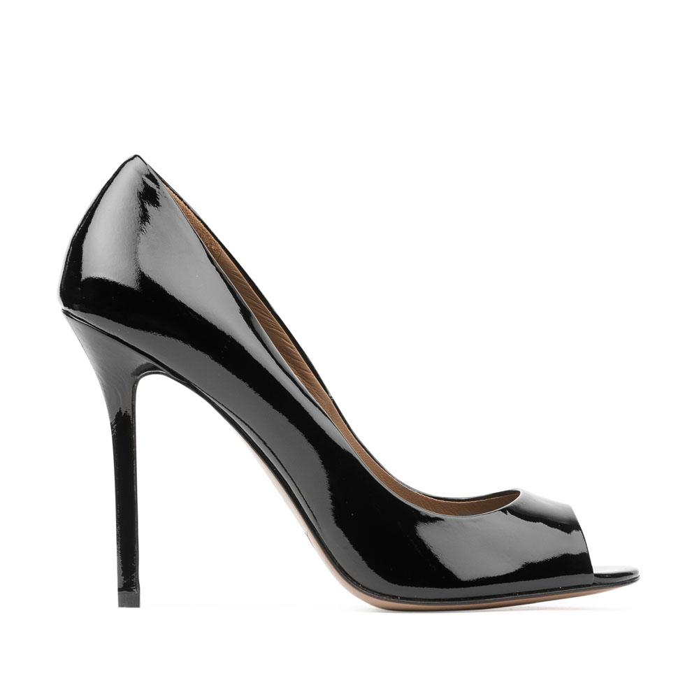 Туфли из лакированной кожи черного цвета с открытым мыском