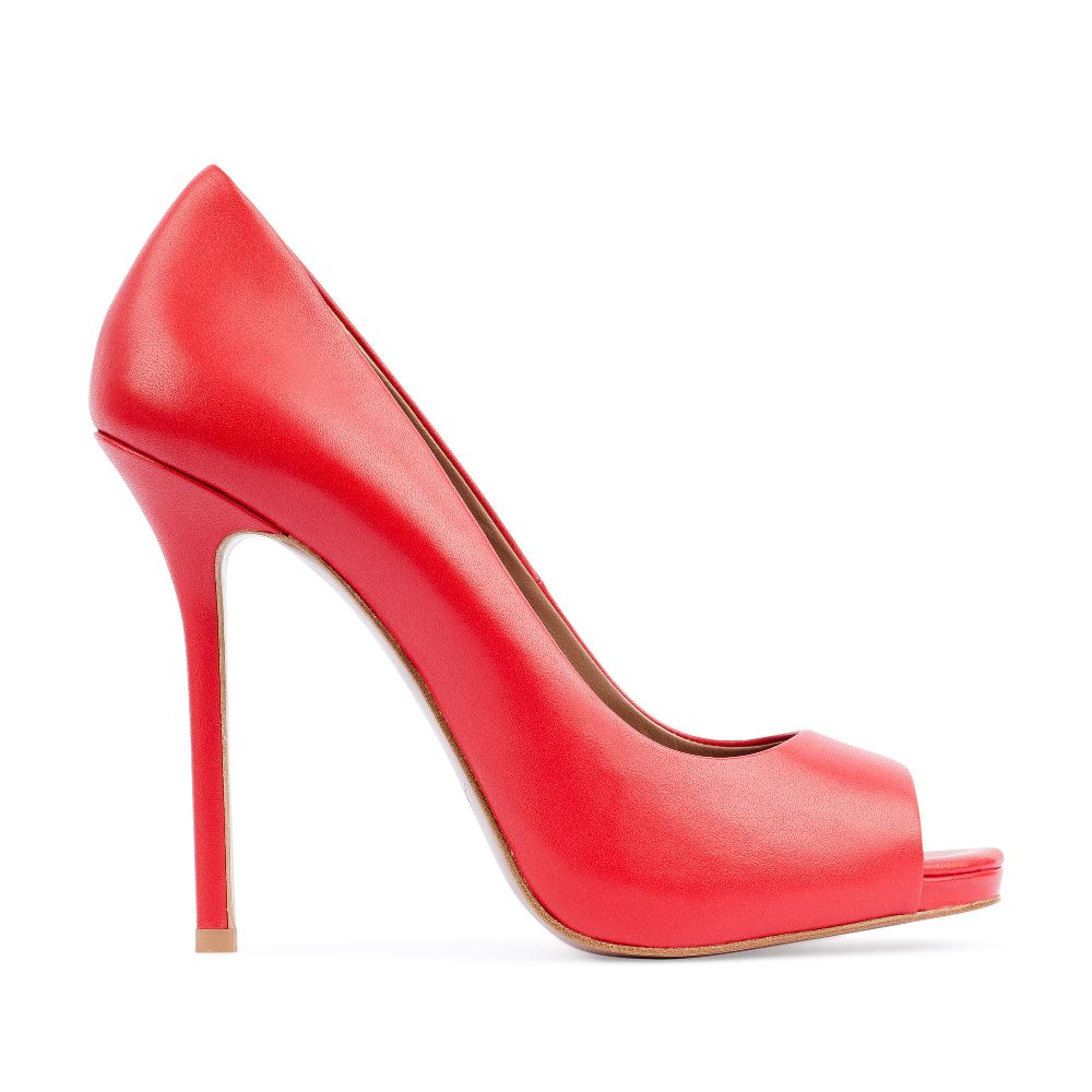 Туфли из кожи красного цвета с открытым мыскомТуфли женские<br><br>Материал верха: Кожа<br>Материал подкладки: Кожа<br>Материал подошвы:Кожа<br>Цвет: Красный<br>Высота каблука: 11 см<br>Дизайн: Италия<br>Страна производства: Китай<br><br>Высота каблука: 11 см<br>Материал верха: Кожа<br>Материал подошвы: Кожа<br>Материал подкладки: Кожа<br>Цвет: Красный<br>Вес кг: 1.00000000<br>Размер обуви: 39