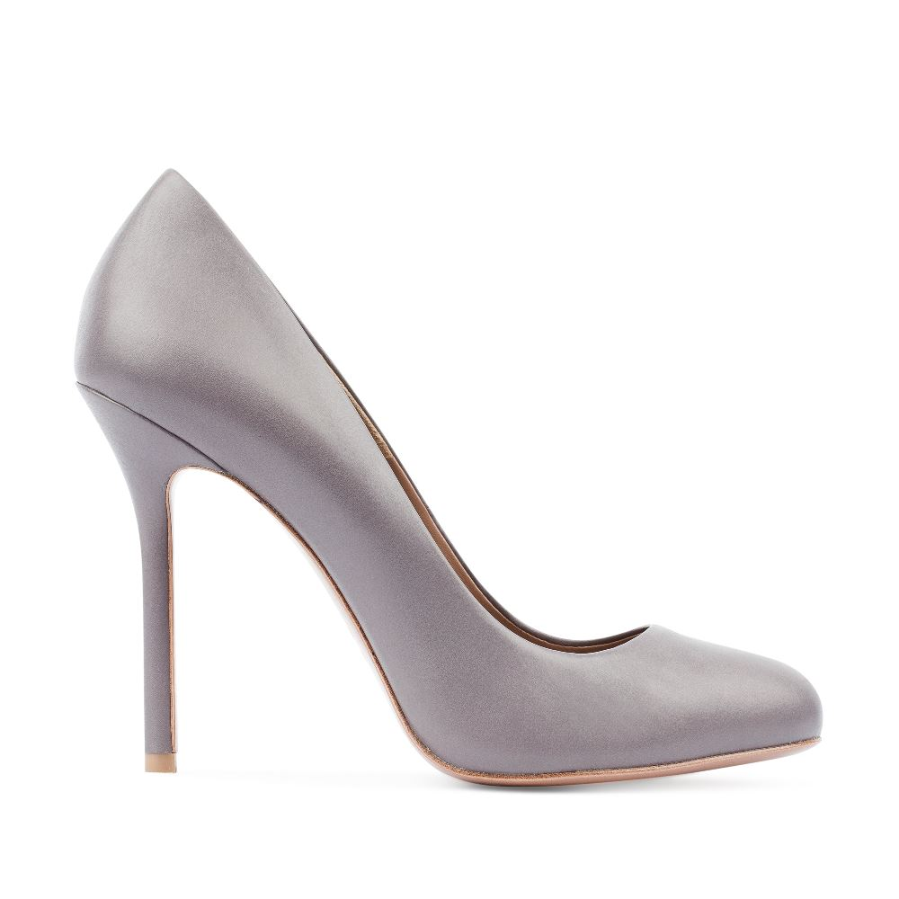 Туфли-лодочки из кожи пепельно-серого цвета на высоком каблуке