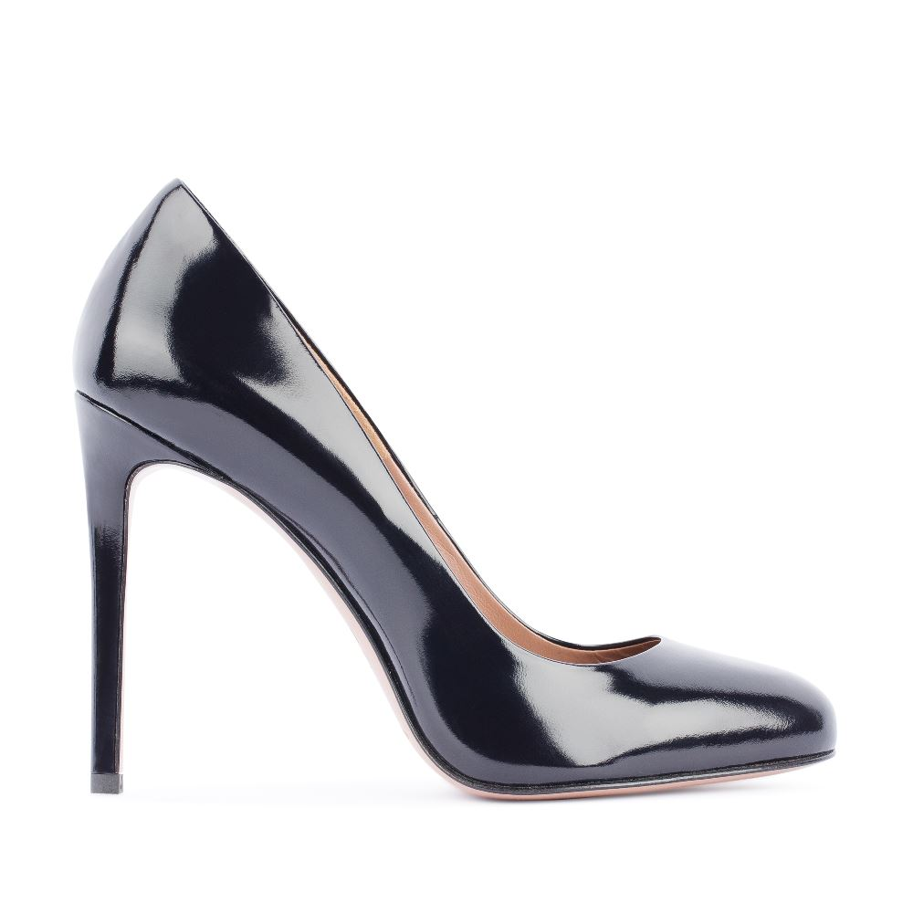Туфли-лодочки из лакированной кожи темно-синего цвета на высоком каблуке