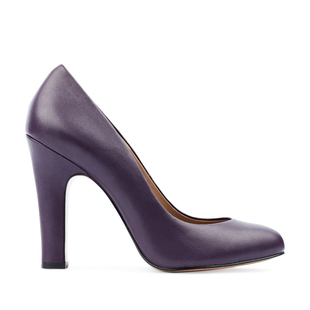 Туфли из кожи аметистового цвета на устойчивом каблуке