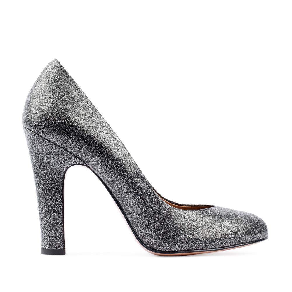 Туфли из металлизированной кожи серебристого цвета на устойчивом каблуке