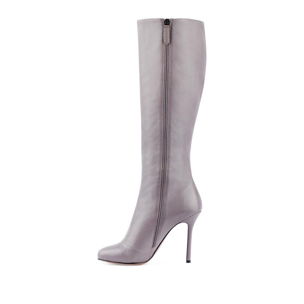 Сапоги на каблуке CorsoComo (Корсо Комо) Сапоги из кожи светло-серого цвета на высоком каблуке