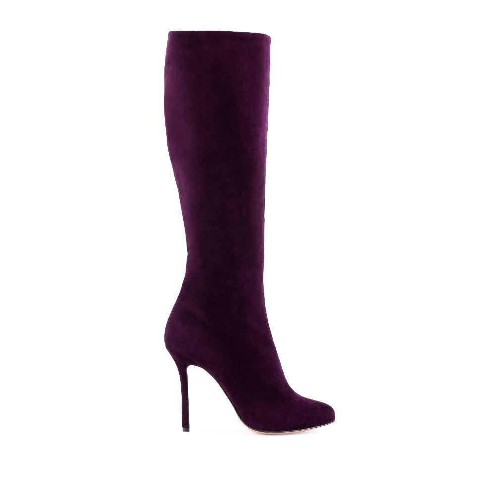 Сапоги из замши темно-фиолетового цвета на высоком каблукеСапоги женские<br><br>Материал верха: Замша<br>Материал подкладки: Текстиль<br>Материал подошвы: Кожа<br>Цвет: Фиолетовый<br>Высота каблука: 10 см<br>Дизайн: Италия<br>Страна производства: Китай<br><br>Высота каблука: 10 см<br>Материал верха: Замша<br>Материал подошвы: Кожа<br>Материал подкладки: Текстиль<br>Цвет: Фиолетовый<br>Вес кг: 1.00000000<br>Размер обуви: 39