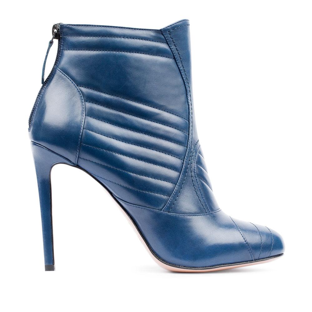 Ботильоны из кожи кобальтового цвета с геометричным узоромБотинки женские<br><br>Материал верха: Кожа<br>Материал подкладки: Кожа<br>Материал подошвы: Кожа<br>Цвет: Синий<br>Высота каблука: 10 см<br>Дизайн: Италия<br>Страна производства: Китай<br><br>Высота каблука: 10 см<br>Материал верха: Кожа<br>Материал подошвы: Кожа<br>Материал подкладки: Кожа<br>Цвет: Синий<br>Вес кг: 0.60000000<br>Размер: 39