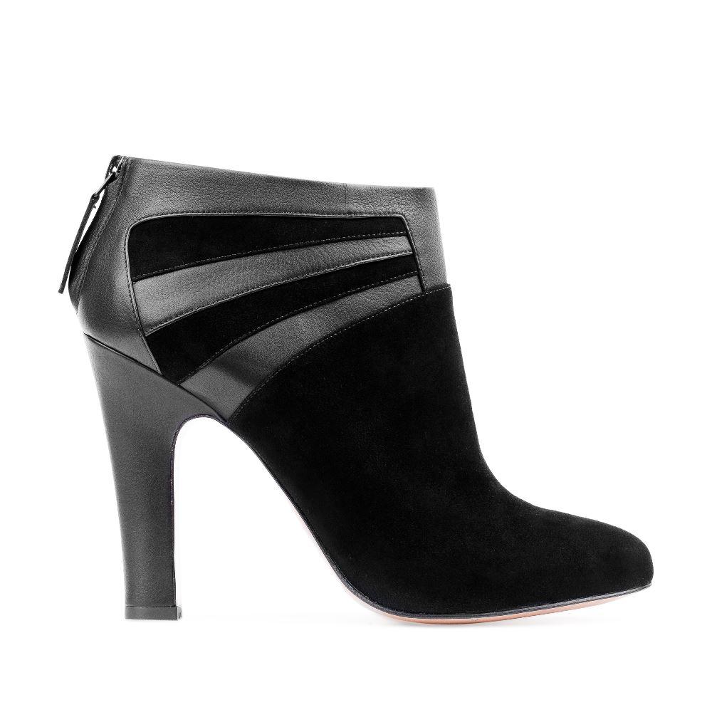 Замшевые ботильоны черного цвета на устойчивом каблуке с вставками из кожи