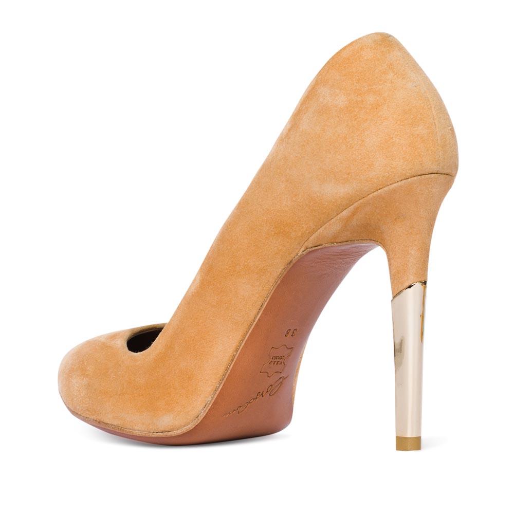 Туфли на каблуке CorsoComo (Корсо Комо) Туфли из замши персикового цвета на металлическом каблуке