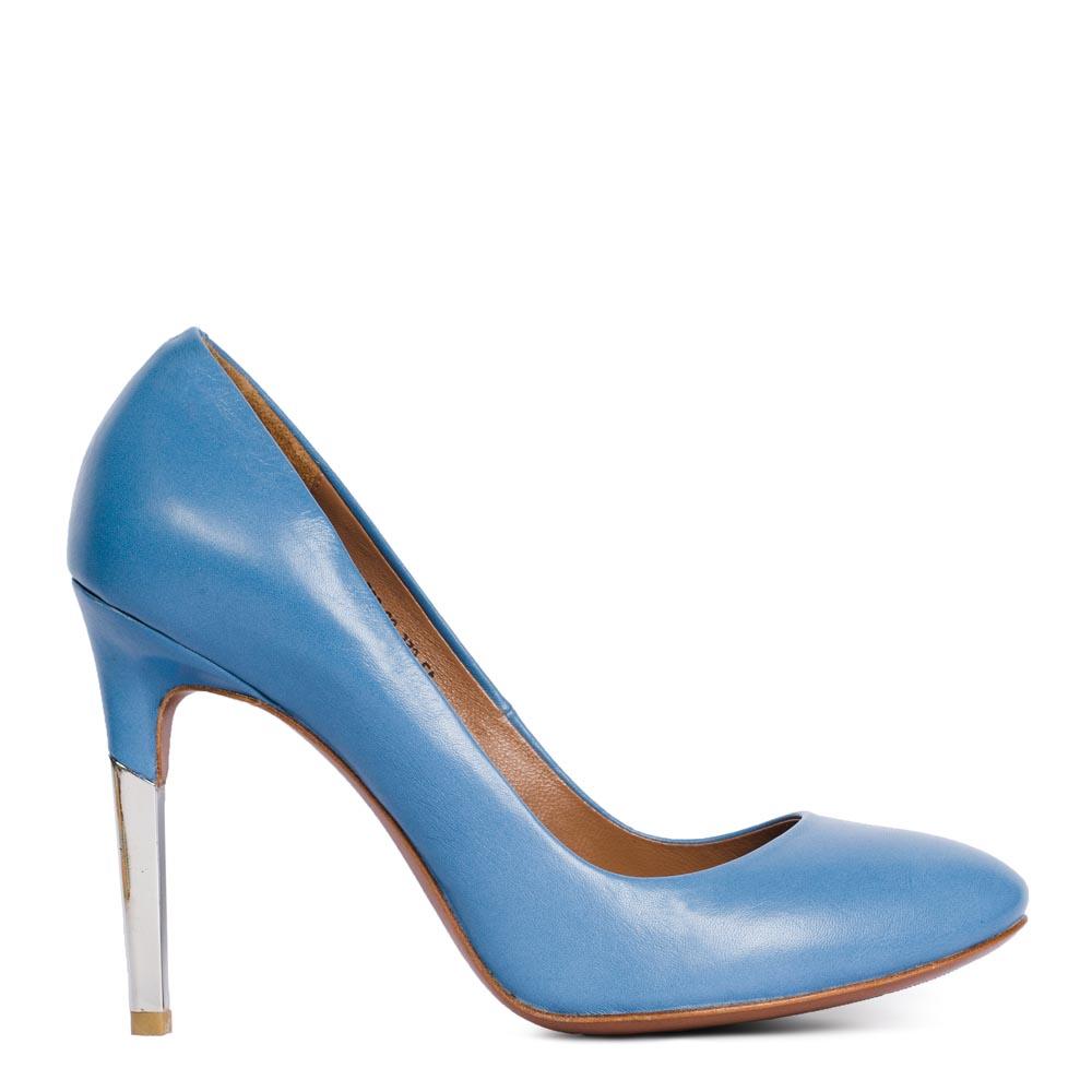 Туфли из кожи голубого цвета на металлическом каблуке