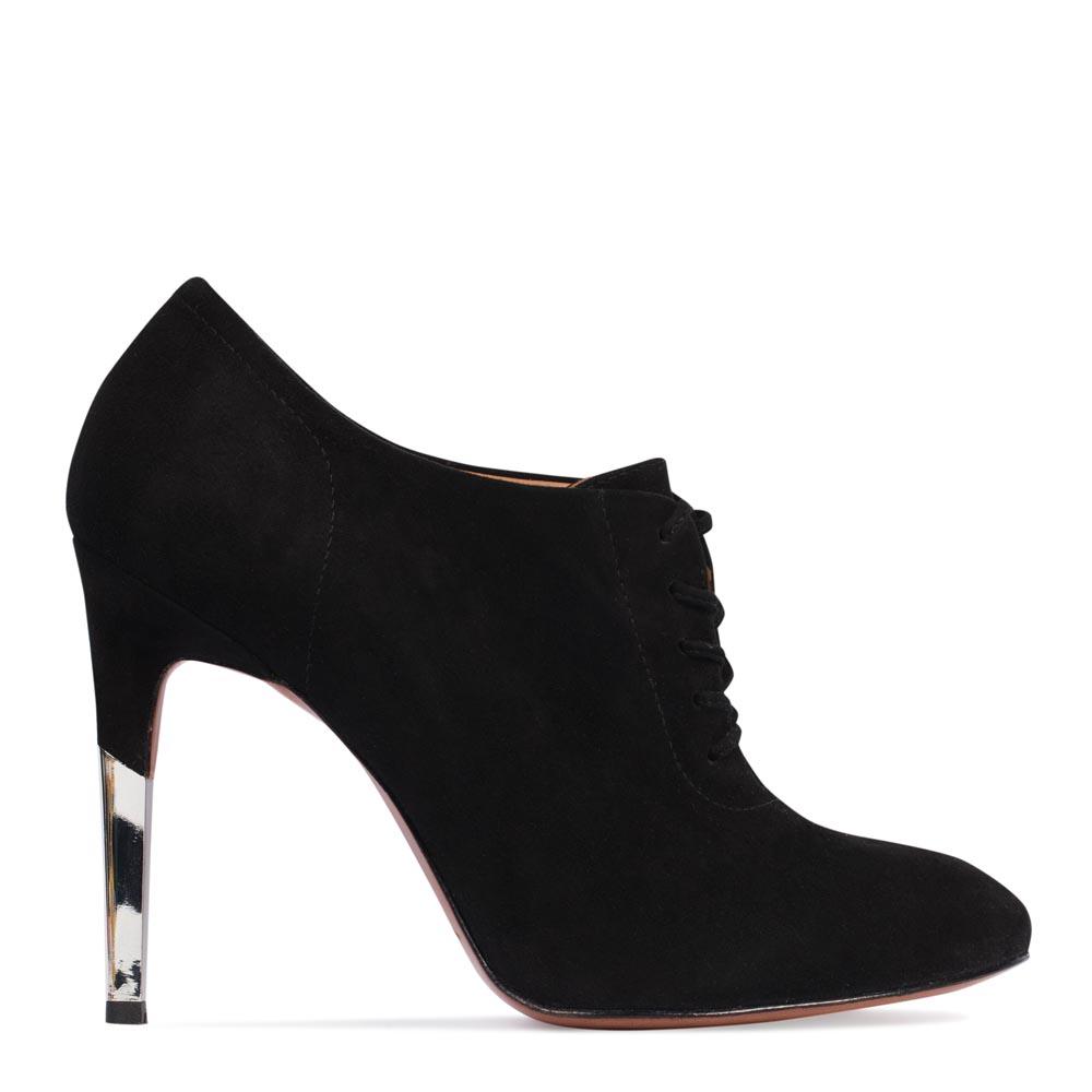 Ботинки из замши черного цвета на металлическом каблуке