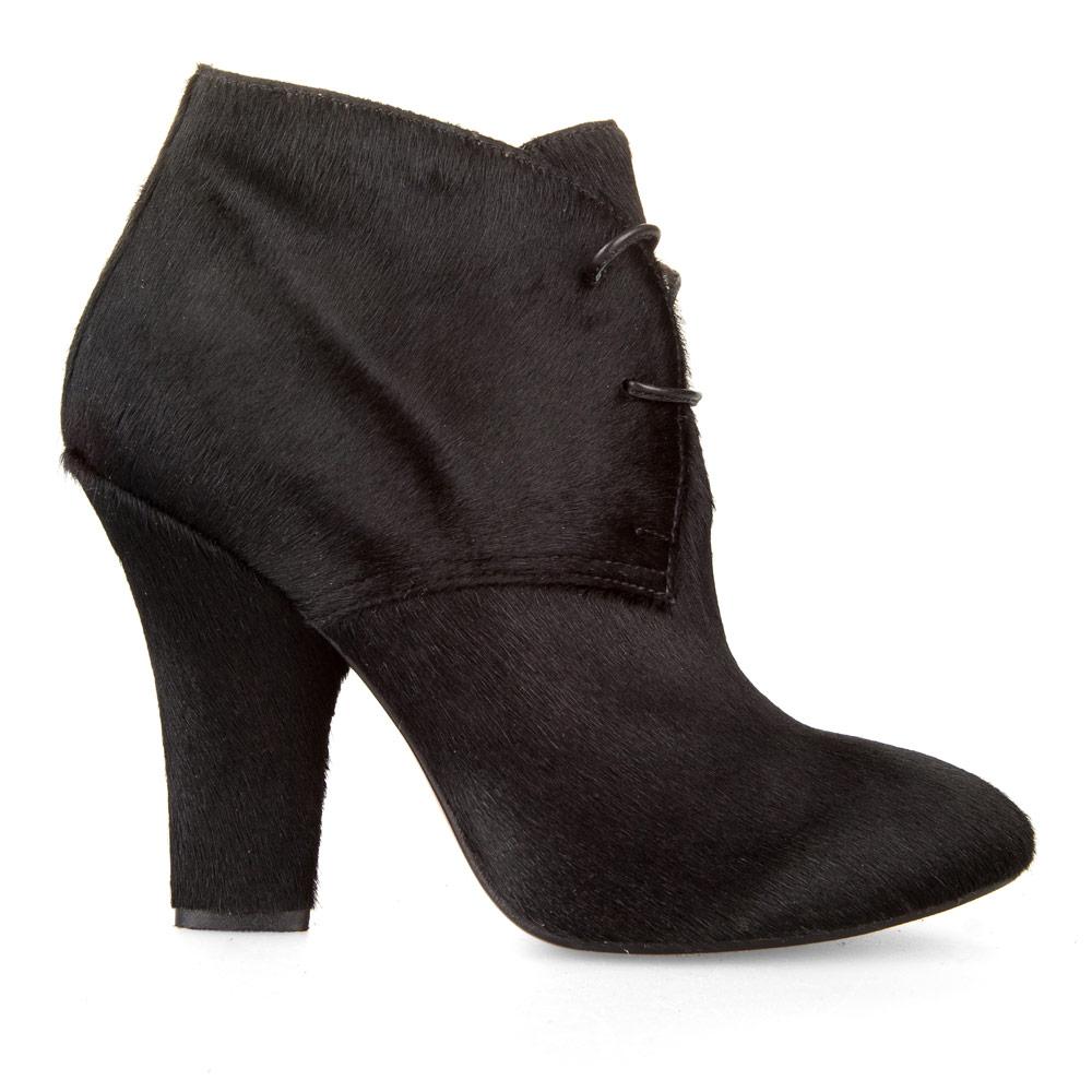 Ботильоны из меха пони черного цвета на каблуке