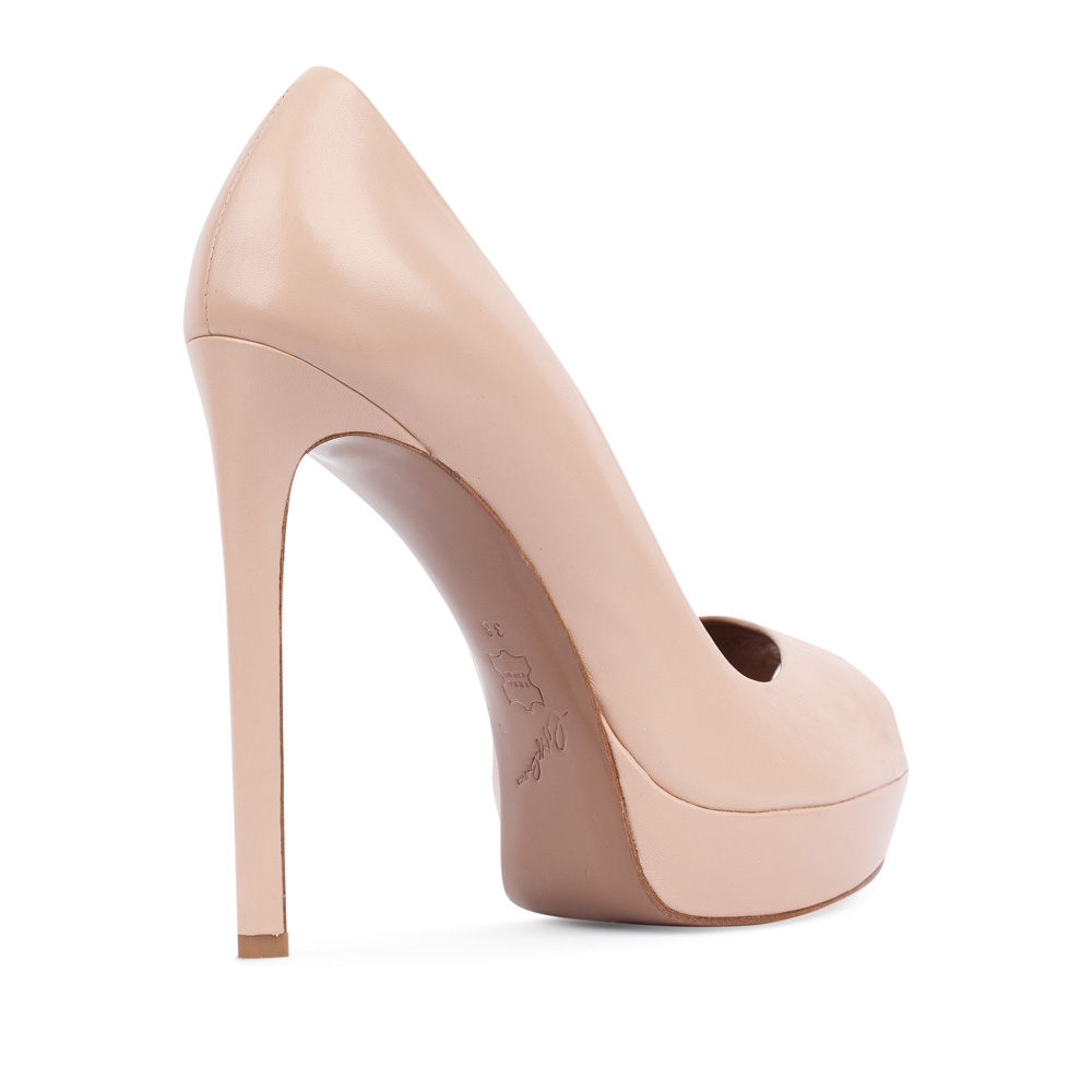 Туфли на каблуке CorsoComo (Корсо Комо) 17-665-02-17-525 к.п. Туфли жен кожа беж.