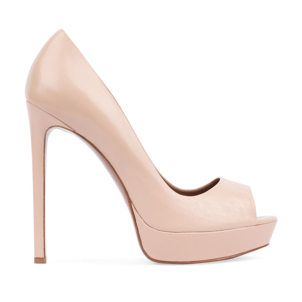 Туфли из кожи бежевого цвета с открытым мыском
