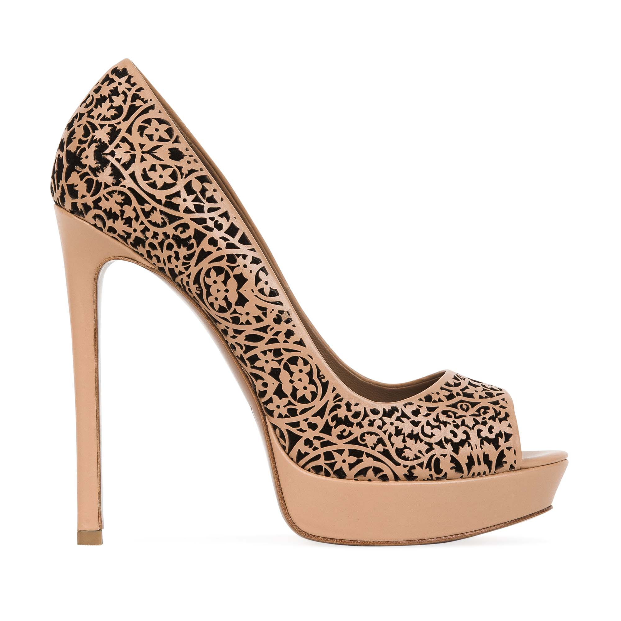Кожаные туфли на высоком каблуке с цветочным орнаментом