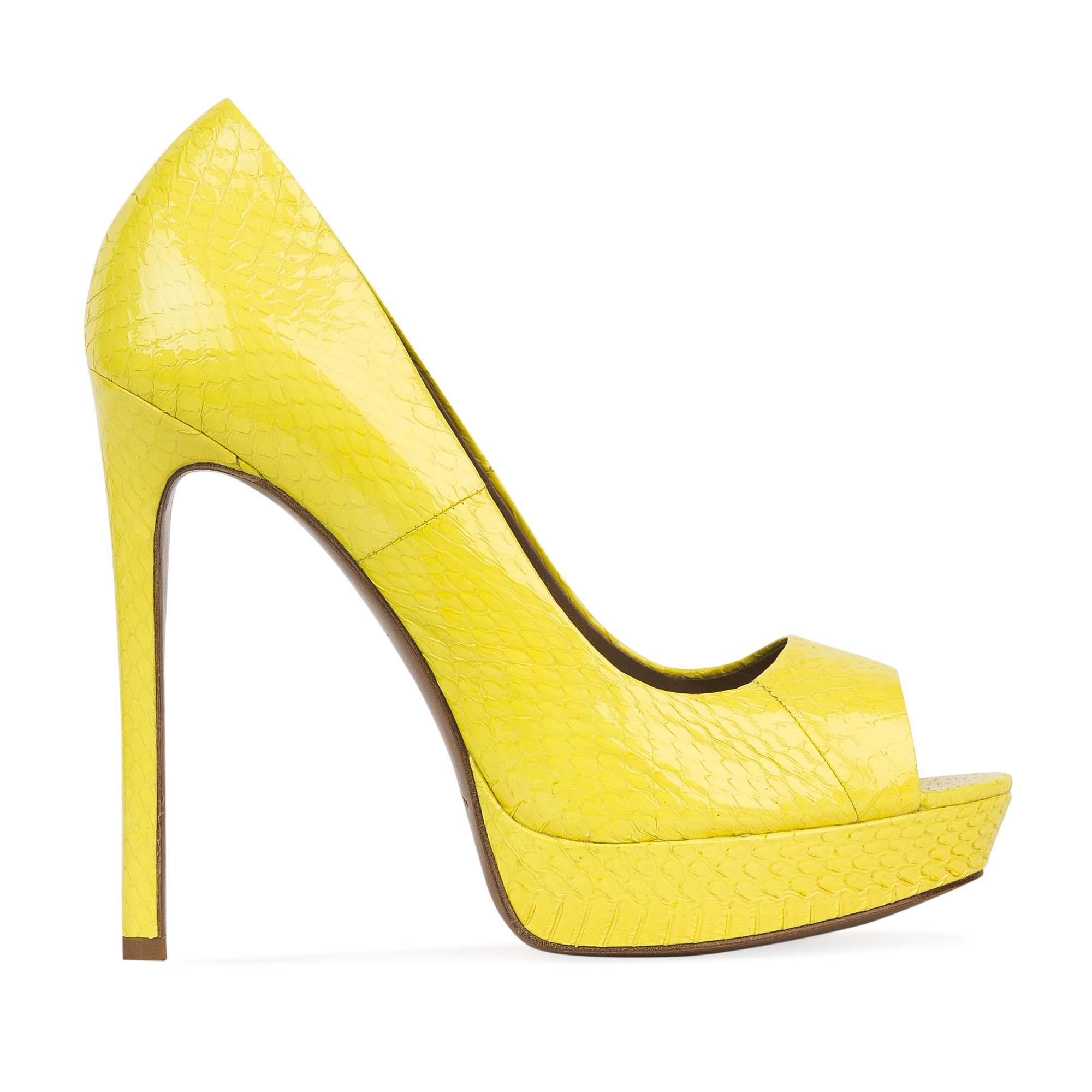 Туфли из лакированной кожи змеи неоново-желтого цветаТуфли женские<br><br>Материал верха: Кожа змеи<br>Материал подкладки: Кожа<br>Материал подошвы: Кожа<br>Цвет: Желтый<br>Высота каблука: 13 см<br>Дизайн: Италия<br>Страна производства: Китай<br><br>Высота каблука: 13 см<br>Материал верха: Кожа змеи<br>Материал подошвы: Кожа<br>Материал подкладки: Кожа<br>Цвет: Желтый<br>Пол: Женский<br>Вес кг: 1.00000000<br>Выберите размер обуви: 37.5