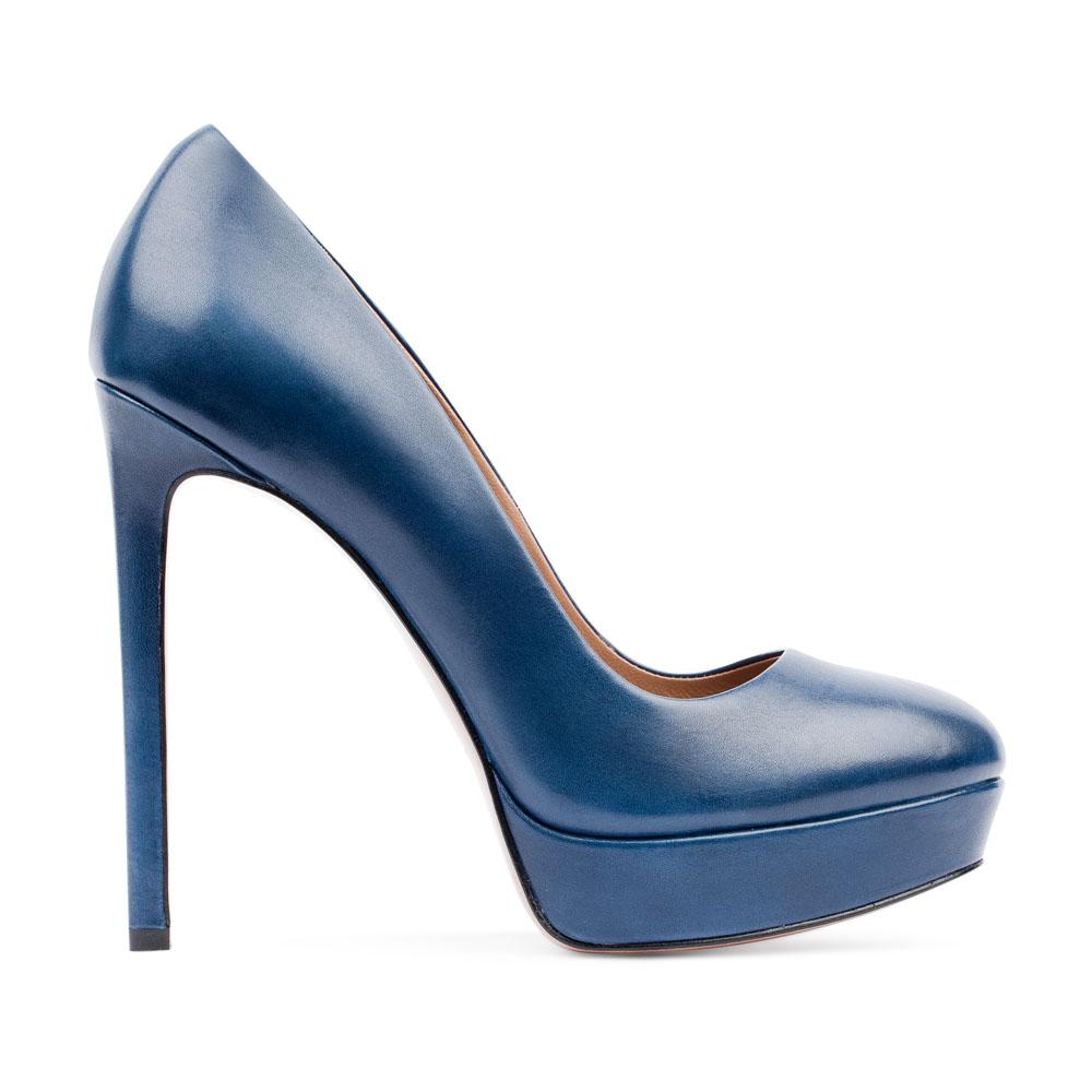 Туфли из кожи кобальтового цвета на высоком каблукеТуфли женские<br><br>Материал верха: Кожа<br>Материал подкладки: Кожа<br>Материал подошвы: Кожа<br>Цвет: Синий<br>Высота каблука: 12 см<br>Дизайн: Италия<br>Страна производства: Китай<br><br>Высота каблука: 12 см<br>Материал верха: Кожа<br>Материал подошвы: Кожа<br>Материал подкладки: Кожа<br>Цвет: Синий<br>Вес кг: 0.48000000<br>Размер обуви: 39*