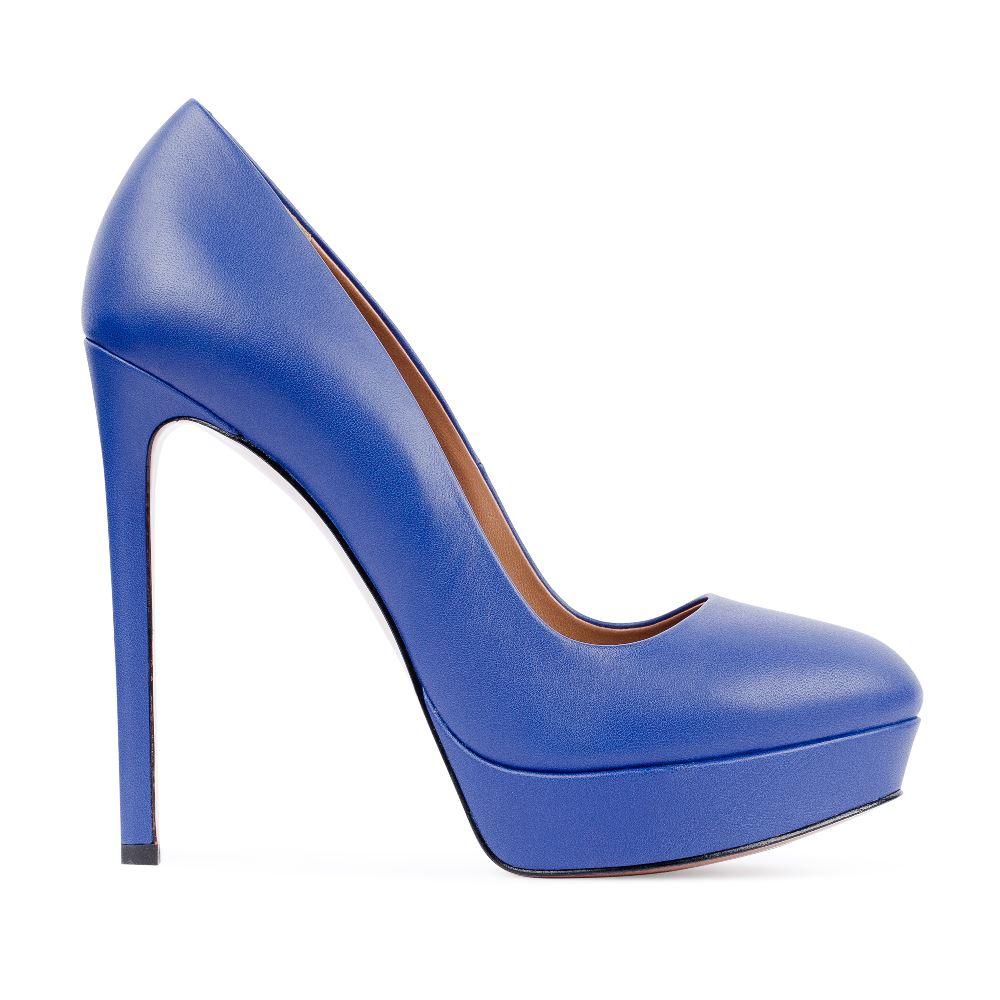 Туфли из кожи кобальтового цвета на высоком каблуке
