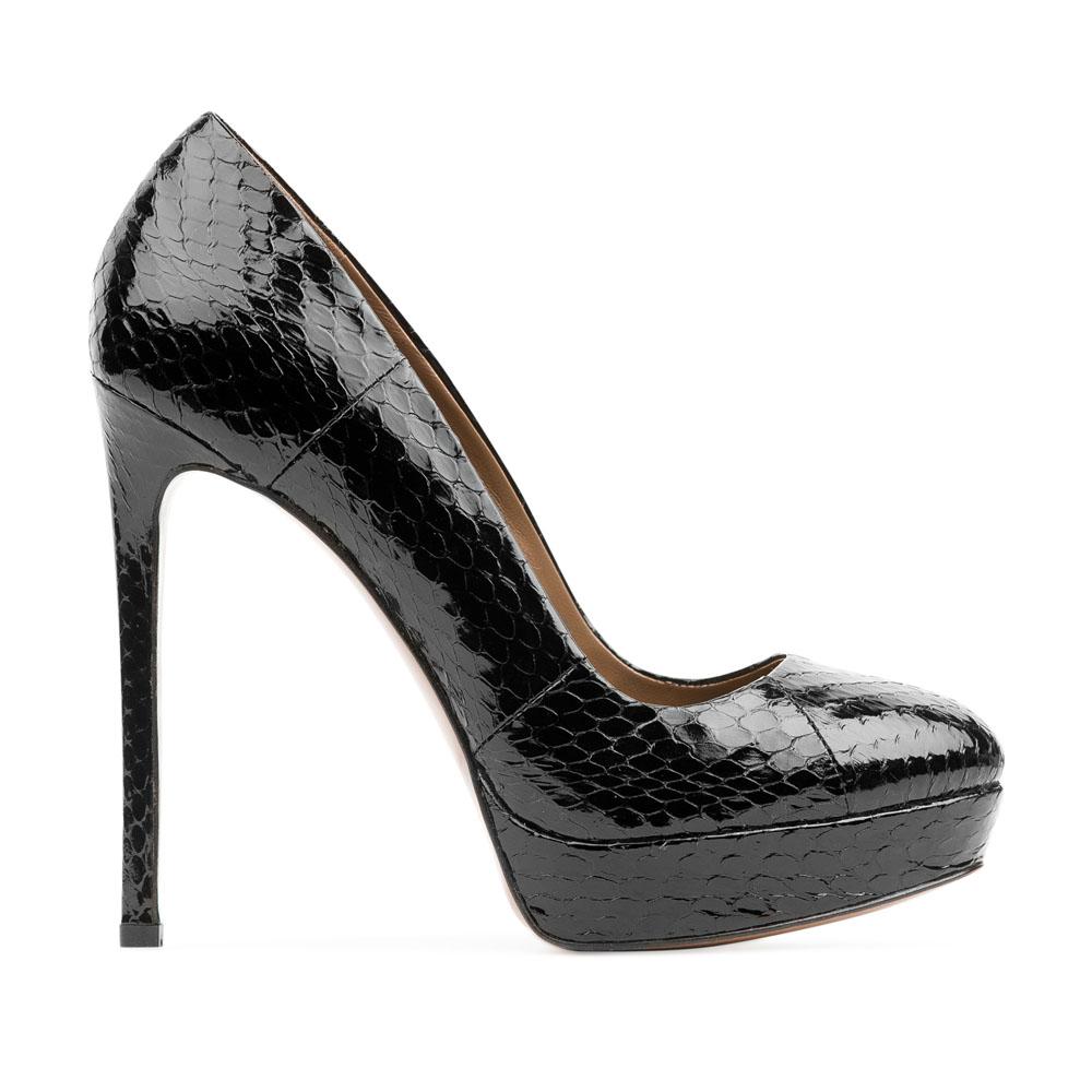 Туфли из лакированной кожи змеи черного цвета на высоком каблукеТуфли женские<br><br>Материал верха: Лакированная кожа<br>Материал подкладки: Кожа<br>Материал подошвы: Кожа<br>Цвет: Черный<br>Высота каблука: 13 см<br>Дизайн: Италия<br>Страна производства: Китай<br><br>Высота каблука: 13 см<br>Материал верха: Лакированная кожа<br>Материал подошвы: Кожа<br>Материал подкладки: Кожа<br>Цвет: Черный<br>Пол: Женский<br>Вес кг: 0.54000000<br>Размер: 36.5*
