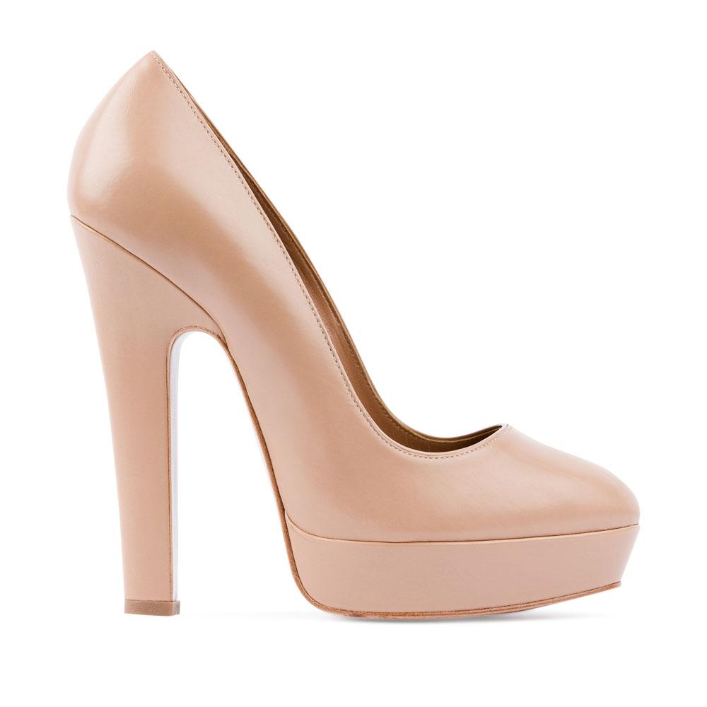 Туфли из кожи бисквитного цвета на устойчивом каблукеТуфли женские<br><br>Материал верха: Кожа<br>Материал подкладки: Кожа<br>Материал подошвы: Кожа<br>Цвет: Бежевый<br>Высота каблука: 13 см<br>Дизайн: Италия<br>Страна производства: Китай<br><br>Высота каблука: 13 см<br>Материал верха: Кожа<br>Материал подошвы: Кожа<br>Материал подкладки: Кожа<br>Цвет: Бежевый<br>Пол: Женский<br>Вес кг: 0.65000000<br>Размер обуви: 37.5**
