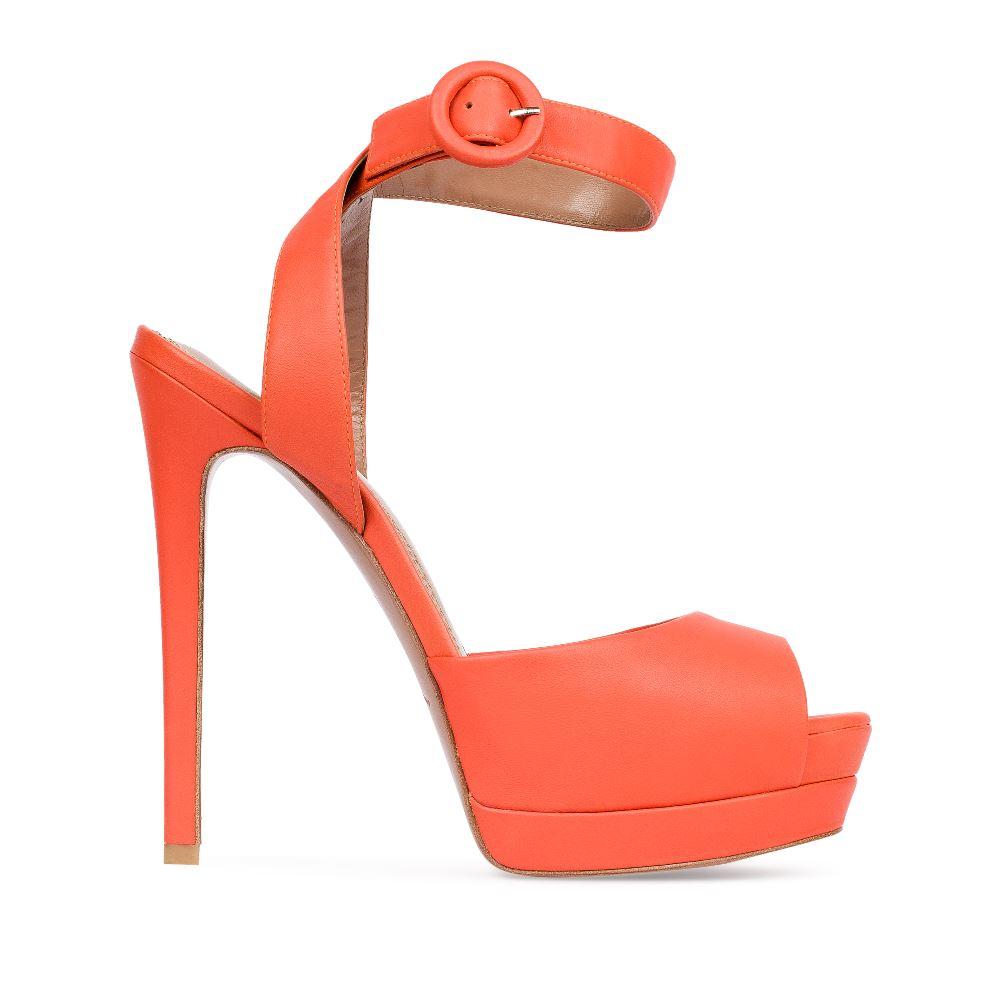 Босоножки из кожи оранжевого цвета с ремешкомТуфли женские<br><br>Материал верха: Кожа<br>Материал подкладки: Кожа<br>Материал подошвы:Кожа<br>Цвет: Оранжевый<br>Высота каблука: 14 см<br>Дизайн: Италия<br>Страна производства: Китай<br><br>Высота каблука: 14 см<br>Материал верха: Кожа<br>Материал подошвы: Кожа<br>Материал подкладки: Кожа<br>Цвет: Оранжевый<br>Вес кг: 1.00000000<br>Размер: 39