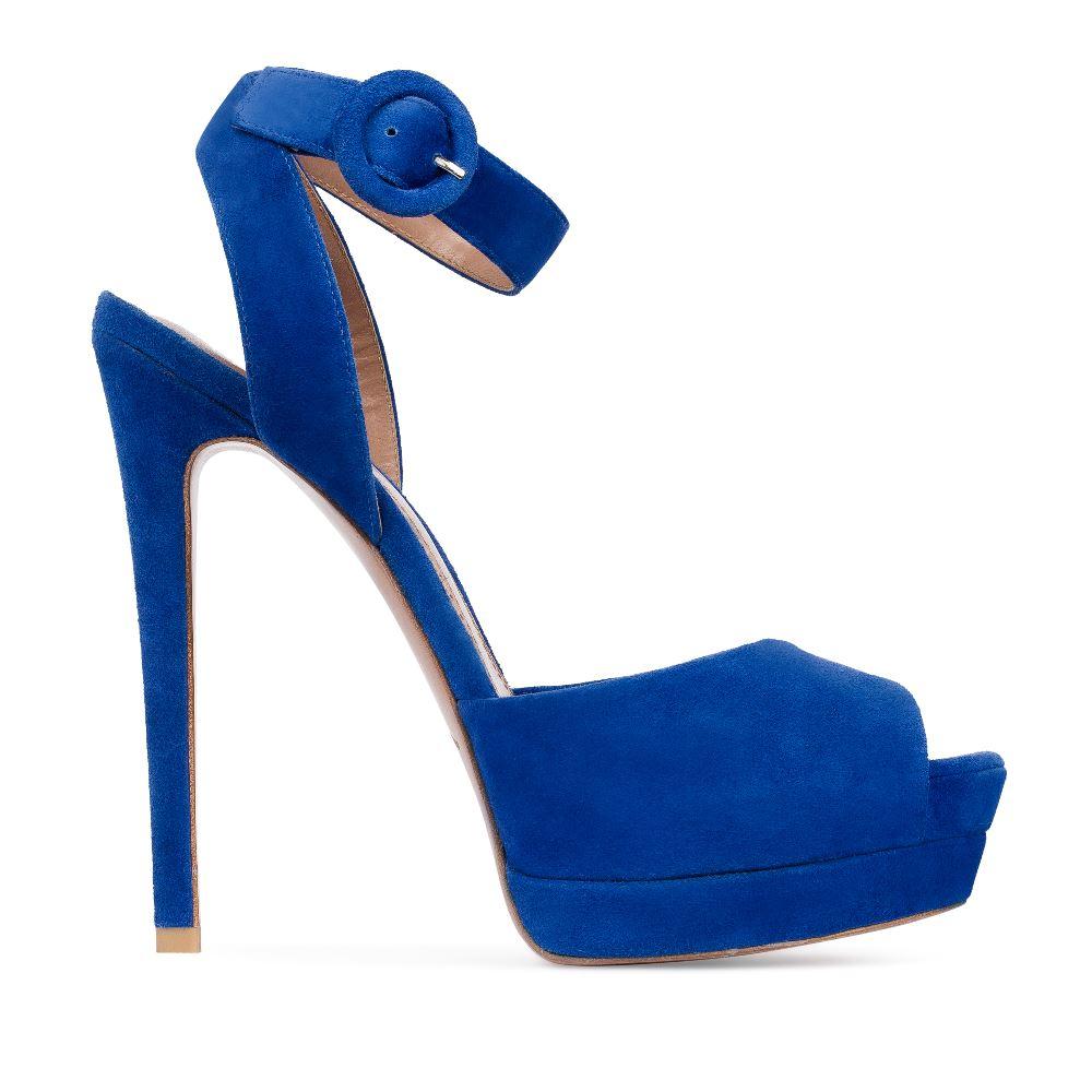 Босоножки из замши цвета электрик с ремешкомТуфли женские<br><br>Материал верха: Замша<br>Материал подкладки: Кожа<br>Материал подошвы:Кожа<br>Цвет: Синий<br>Высота каблука: 14 см<br>Дизайн: Италия<br>Страна производства: Китай<br><br>Высота каблука: 14 см<br>Материал верха: Замша<br>Материал подошвы: Кожа<br>Материал подкладки: Кожа<br>Цвет: Синий<br>Вес кг: 1.00000000<br>Размер: 36**