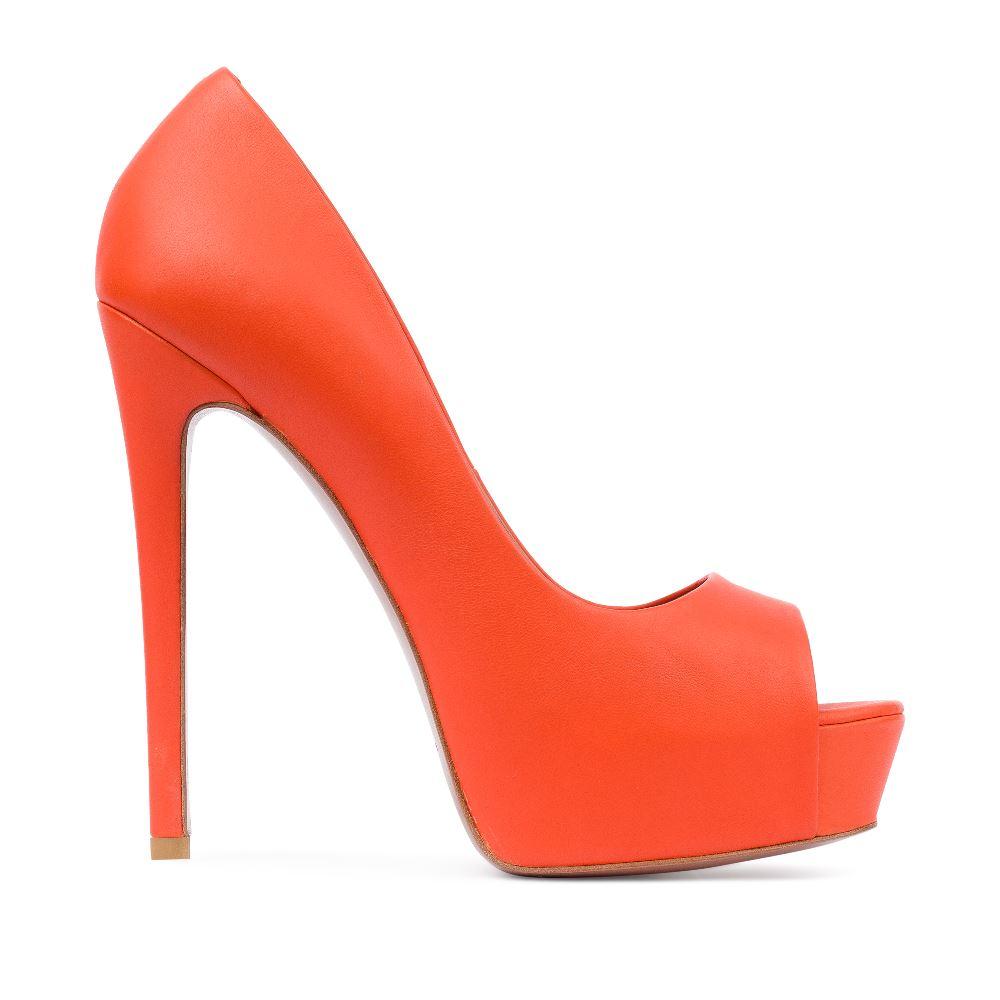 Туфли из кожи оранжевого цвета на высоком каблуке