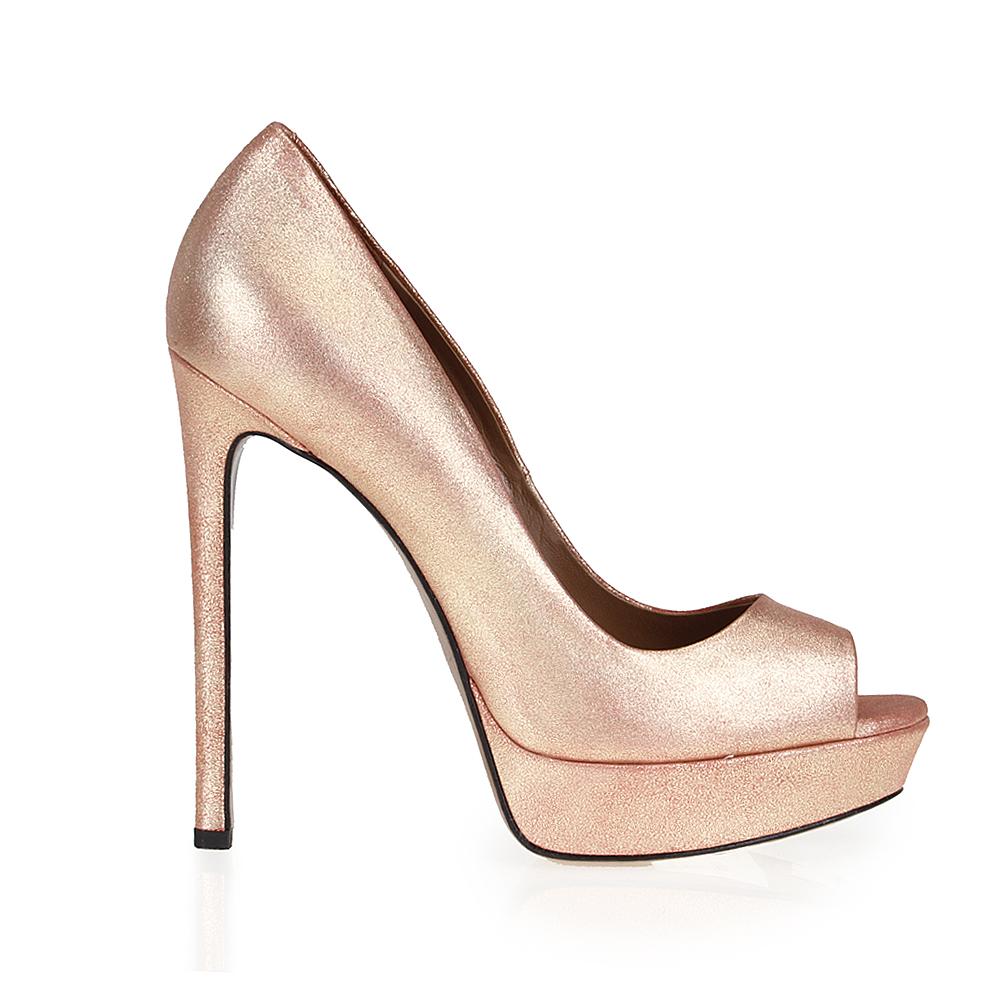 Туфли из кожи перламутрового цвета на высоком каблукеТуфли женские<br><br>Материал верха: Кожа<br>Материал подкладки: Кожа<br>Материал подошвы: Кожа<br>Цвет: Золотой<br>Высота каблука: 13 см<br>Дизайн: Италия<br>Страна производства: Китай<br><br>Высота каблука: 13 см<br>Материал верха: Кожа<br>Материал подкладки: Кожа<br>Цвет: Золотой<br>Пол: Женский<br>Вес кг: 0.80000000<br>Выберите размер обуви: 36.5**