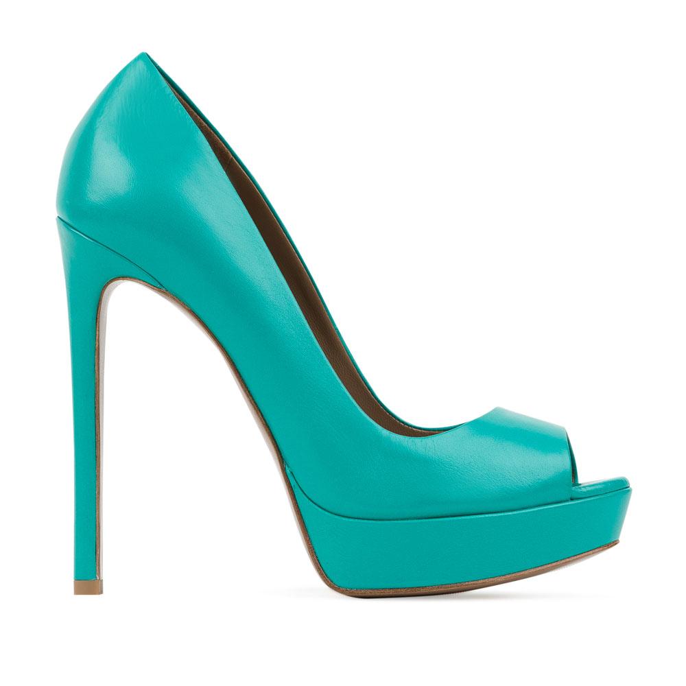 Туфли из кожи темно-бирюзового цвета на высоком каблукеТуфли женские<br><br>Материал верха: Кожа<br>Материал подкладки: Кожа<br>Материал подошвы: Кожа<br>Цвет: Зеленый<br>Высота каблука: 13 см<br>Дизайн: Италия<br>Страна производства: Китай<br><br>Высота каблука: 13 см<br>Материал верха: Кожа<br>Материал подошвы: Кожа<br>Материал подкладки: Кожа<br>Цвет: Зеленый<br>Пол: Женский<br>Вес кг: 0.50000000<br>Размер: 39