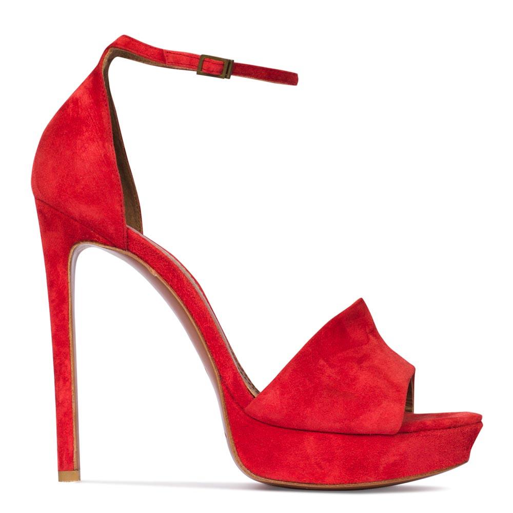 Замшевые туфли алого цвета с ремешком на высоком каблуке