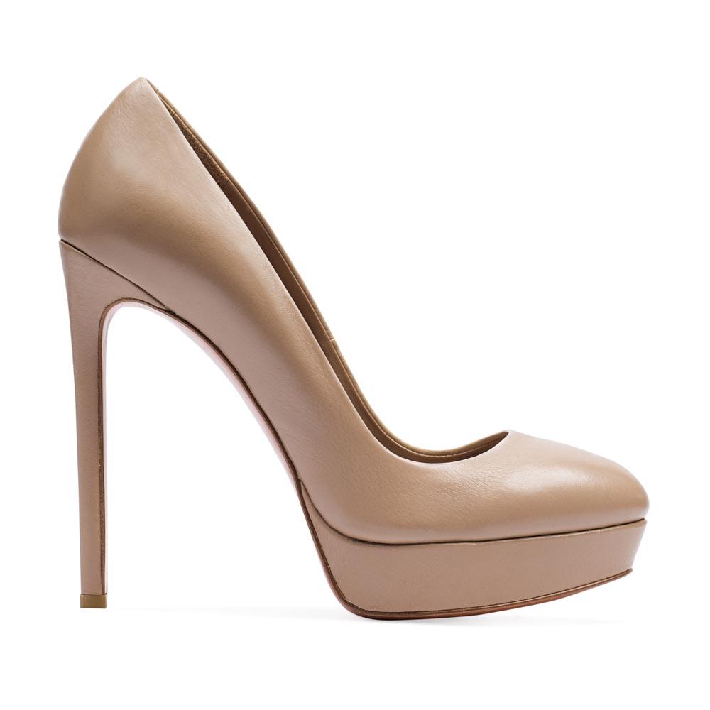 Туфли кожаные бежевые на каблукеТуфли женские<br><br>Материал верха: Кожа<br>Материал подкладки: Кожа<br>Материал подошвы: Кожа<br>Цвет: Бежевый<br>Высота каблука: 13см<br>Дизайн: Италия<br>Страна производства: Китай<br><br>Высота каблука: 13 см<br>Материал верха: Кожа<br>Материал подкладки: Кожа<br>Цвет: Бежевый<br>Пол: Женский<br>Вес кг: 1.00000000<br>Выберите размер обуви: 39
