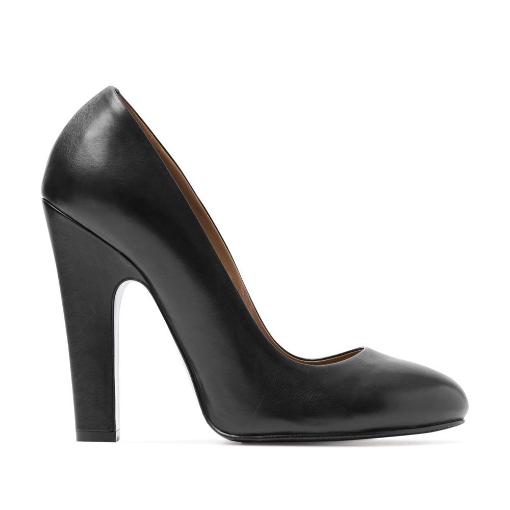 Туфли кожаные черного цвета на устойчивом каблуке