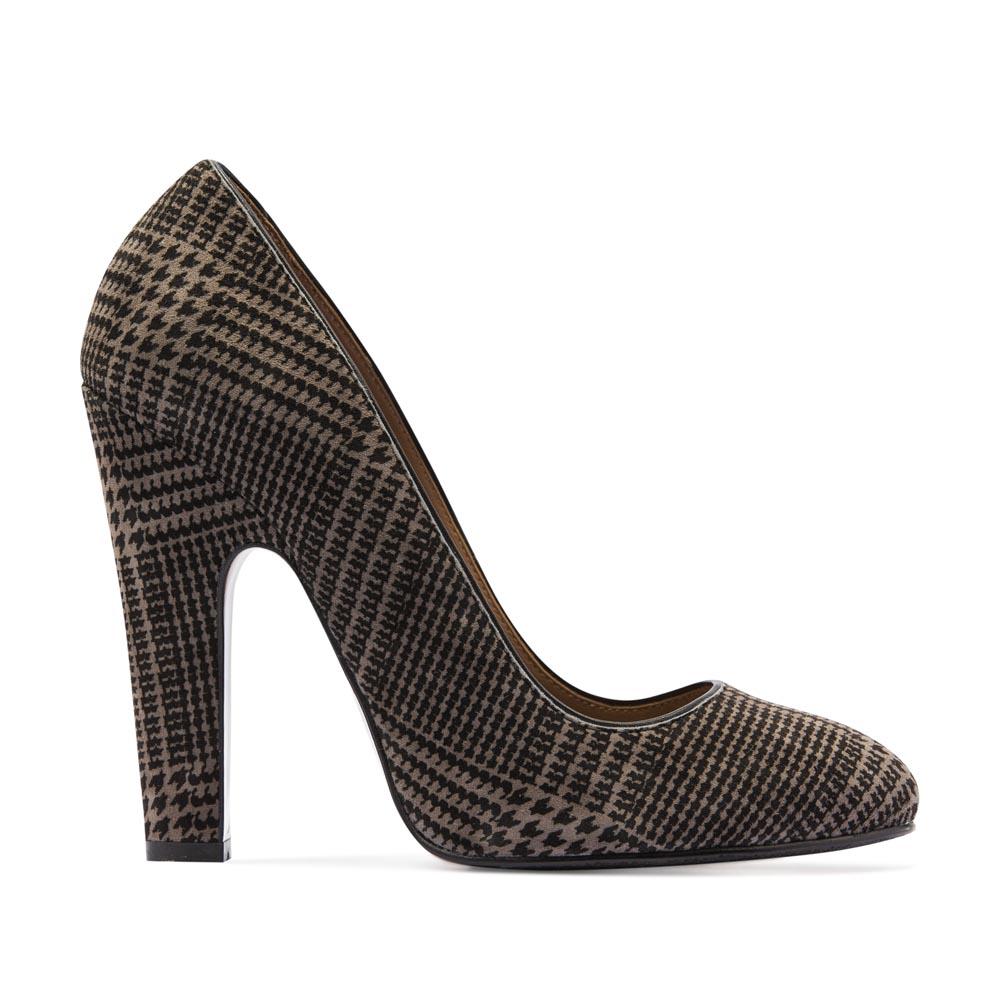 Замшевые туфли c принтом гленчек на устойчивом каблуке