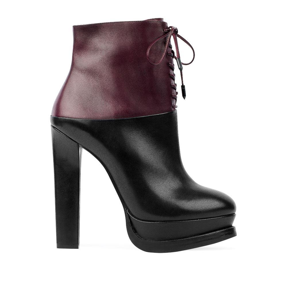 Ботильоны из кожи винного и черного цветов на высокой шнуровкеБотинки женские<br><br>Материал верха: Кожа<br>Материал подкладки: Кожа<br>Материал подошвы:Кожа<br>Цвет: Бордовый<br>Высота каблука: 13 см<br>Дизайн: Италия<br>Страна производства: Китай<br><br>Высота каблука: 13 см<br>Материал верха: Кожа<br>Материал подошвы: Кожа<br>Материал подкладки: Кожа<br>Цвет: Бордовый<br>Вес кг: 1.00000000<br>Размер обуви: 35