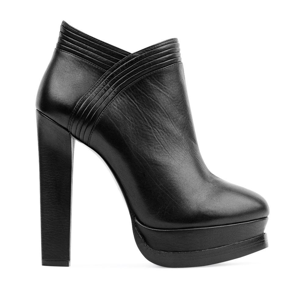 Кожаные ботильоны черного цвета на устойчивом высоком каблуке